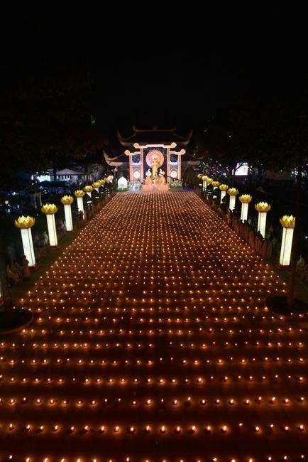 Lung linh đêm Di Đà 2018