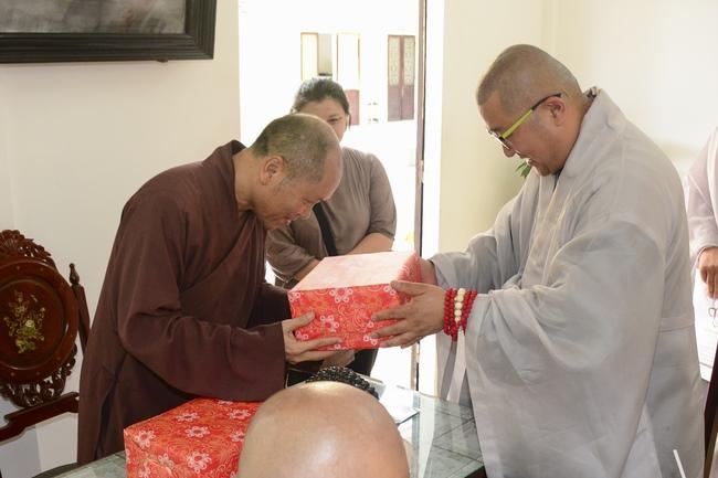 Phái đoàn chùa Maisan Stone Hàn Quốc thăm chùa Hoằng Pháp 4