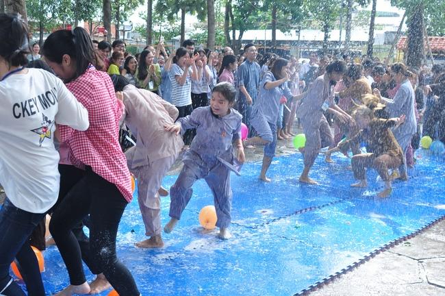 chùa hoằng pháp tổ chức ngày tu sinh viên hướng về phật pháp 19