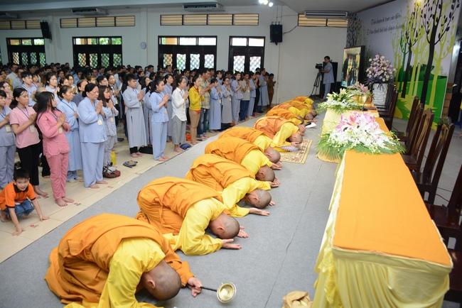 lễ quy y tam bảo tại chùa hoằng pháp lần thứ 2 trong năm 2018 16