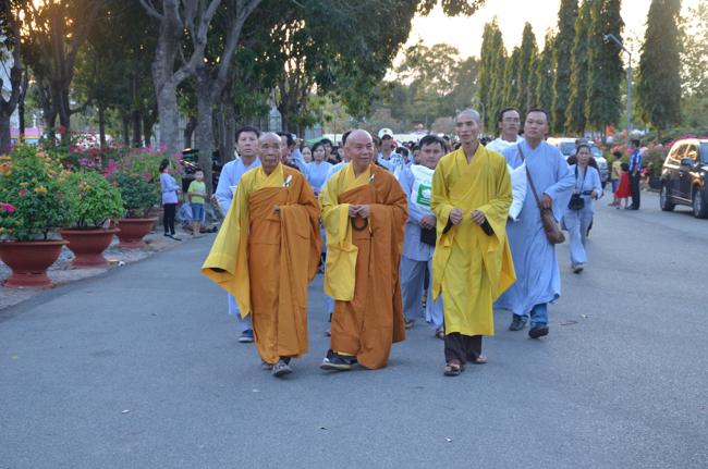 Tết cổ truyền lễ Phật cúng dường mười chùa